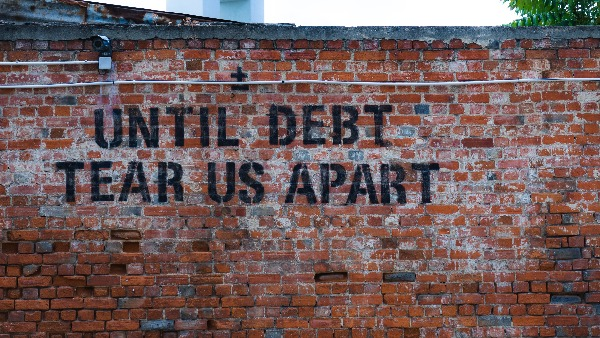 Liberal Alliance Hørsholm - Until debt tear us apart